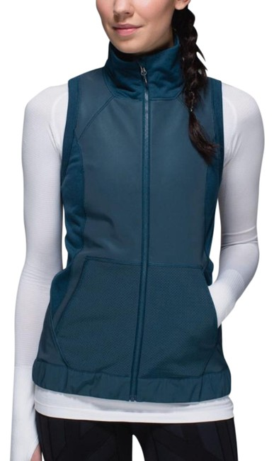 Preload https://img-static.tradesy.com/item/20470514/lululemon-alberta-lakeheathered-alberta-lake-let-s-get-visible-vest-size-6-s-0-1-650-650.jpg