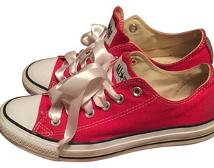 Converse red Flats
