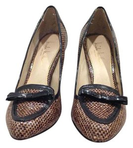 Nicole Miller New York Leather Black and Tan Pumps