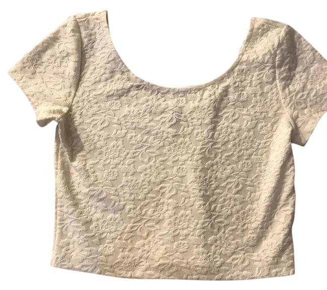 Preload https://img-static.tradesy.com/item/20471450/divided-by-h-and-m-cream-crop-blouse-size-2-xs-0-2-650-650.jpg