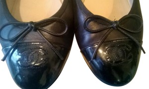 Chanel Leather Ballet Classic black Flats