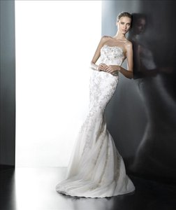Pronovias Pravenia Wedding Dress