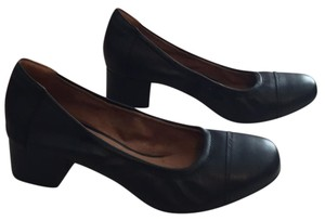 Clarks NAVY BLUE Pumps