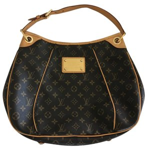 Louis Vuitton Like New Barely Been Used Hobo Bag