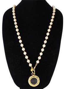 Chanel PEARL NECKLACE - GLASS ROUND CHARM CC MEDALLION GOLD PENDANT VINTAGE