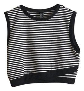 Forever 21 Top Black/White