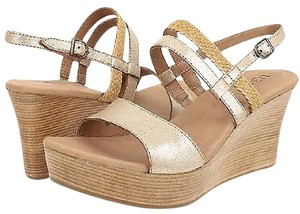 UGG Australia Ugg Lira Washed Leather Wood Wedge Sandals Gold Platforms