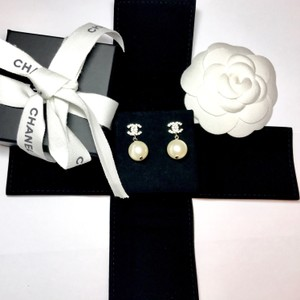 Chanel BRAND NEW Chanel CC Rhinestone Pearl Dangle Piercing Earrings Complete
