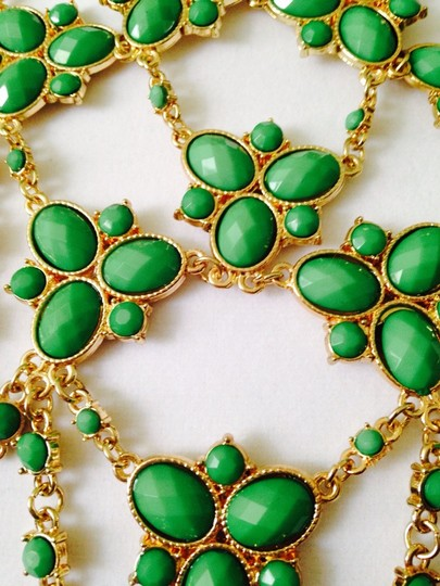 Amrita Singh Faceted Kelly Green Bib Statement Necklace