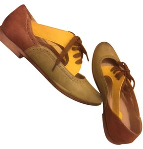 Restricted Cut Out Multi Color Brown, Yellow, Green Flats