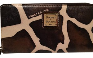 Dooney & Bourke large zip around wallet