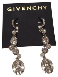 Givenchy Swarovski element crystal earring, very elegant