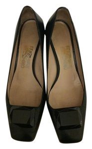 Salvatore Ferragamo Leather Ferragamo Black Pumps