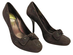 Cole Haan Size 8.00 M Suede Very Good Condition Brown Pumps