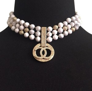 Chanel 2016 white marble large cc logo short necklace