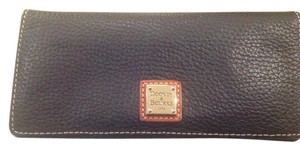 Dooney & Bourke Dooney & Bourke Pebble Grain Leather Slim Wallet