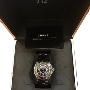 Chanel j12 with 10 index diamonds (33m)