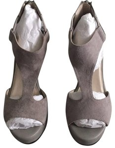 Kenneth Cole stone color (light gray) Wedges
