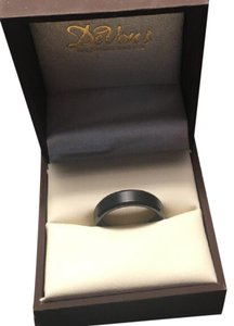 Brand New! Men's size 9 wedding band Tungsten with beveled edge
