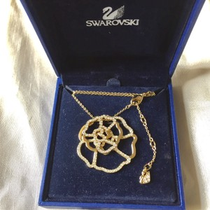Swarovski Flower Rhinstone Necklace