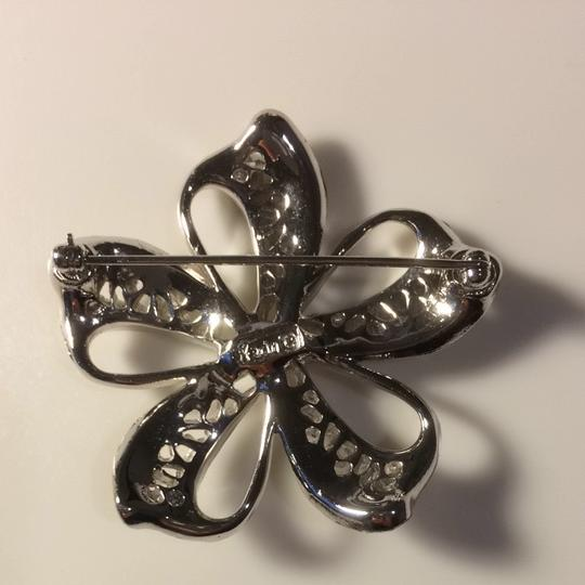 Other Flower Pin With Yellowstone