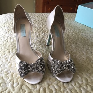 Betsey Johnson ivory Formal