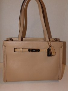 Coach Swagger Pebble Leather One Signature Style Nude Tote in Light Gold/Nude