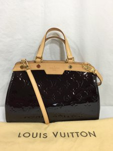 Louis Vuitton Brea Pm Vernis Shoulder Bag