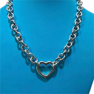 Tiffany & Co. STUNNING!! Tiffany & Co. Heart Clasp Necklace Sterling Silver 15
