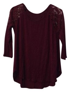 Ginger G T Shirt Burgundy