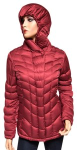 Patagonia 28600 Burgundy 800 Fill Coat