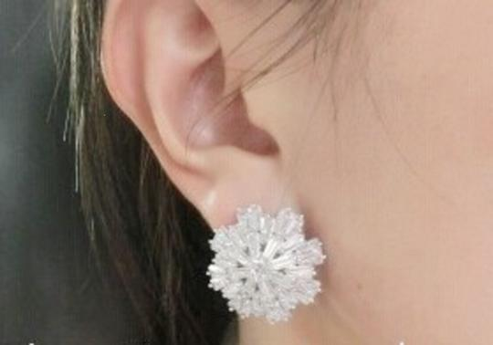 18kt-plated Icicle Crystal Earrings