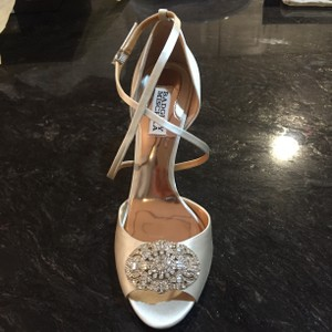 Badgley Mischka Sari Wedding Shoes