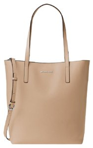 MICHAEL Michael Kors Leather Emry Tote in BISQUE