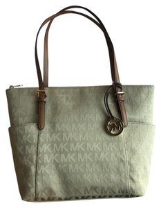 Michael Kors Tote in Camel Khaki Brown