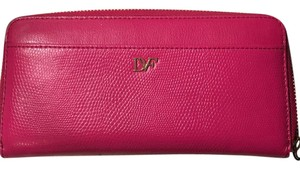 Diane von Furstenberg Lip zip around continental clutch