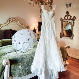 Essense Of Australia Essence Of Australia Lace Gown Wedding Dress