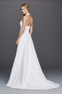 David's Bridal Halter Vneck Wedding Dress