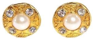 Chanel Faux Pearl Crystal Clip On Earrings CCJY31