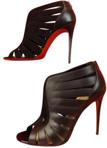 Christian Louboutin Version Black Pumps