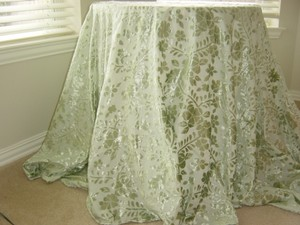 Green Burn Out Table Cloth