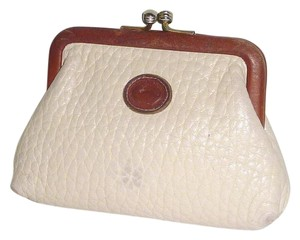 Dooney & Bourke D&B Vintage All weather leather Large Kisslock Coin purse