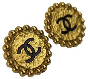 Chanel Beaded CC Logo Clip On Earrings CCAV385