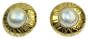 Chanel Pearl Roman Numerals Earrings CCAV371