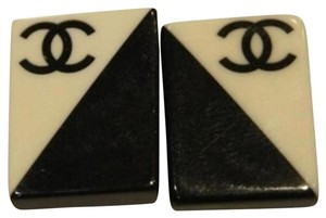 Chanel CCSl11 rectangle Black and White CC logo Clip On Earrings