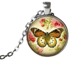 Other New Butterfly Cabochon Necklace Silver Tone J3075