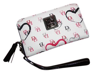 Dooney & Bourke Sweetheart Wallet Vk102mw Wristlet in White