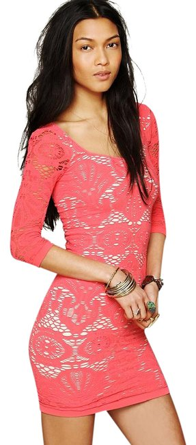 Item - Coral/Orange/Creme Bodycon Medallion In Short Night Out Dress Size 2 (XS)