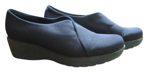 Munro American Black Wedges