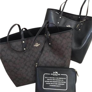 Coach Reversible 2in1 Pouch Signature Canvas Tote in Brown & Black